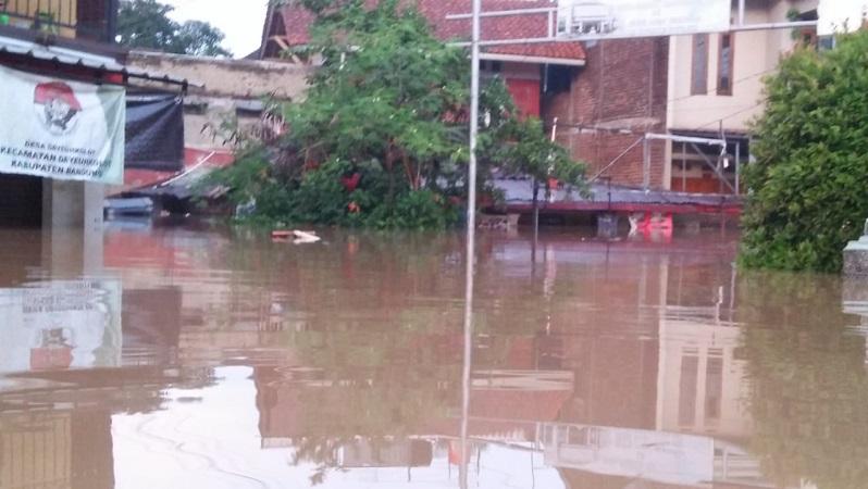 https: img-z.okeinfo.net content 2020 03 31 525 2191736 9-285-rumah-di-kabupaten-bandung-terendam-banjir-tXVmHjSxtP.jfif
