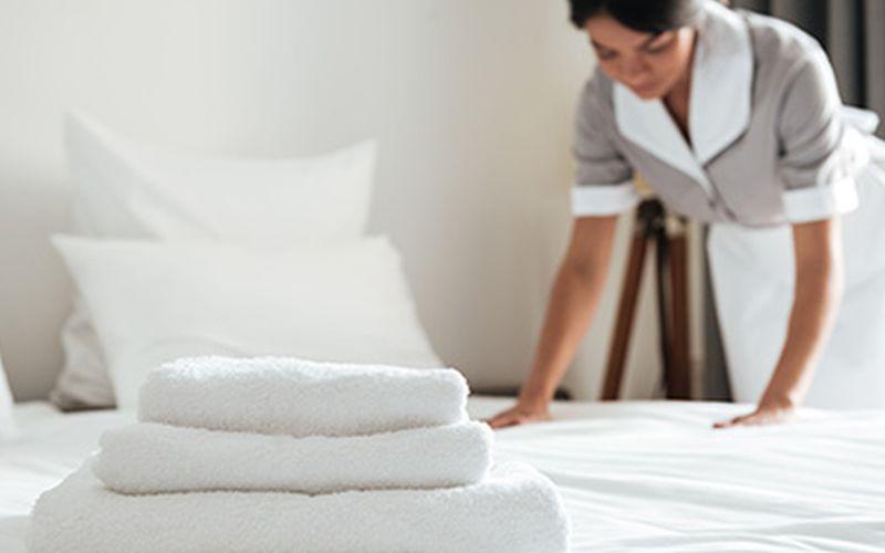 https: img-z.okeinfo.net content 2020 04 03 612 2193694 cerita-dian-jadi-petugas-laundry-hotel-tenaga-medis-corona-covid-19-Nt9azpjbOw.jpg