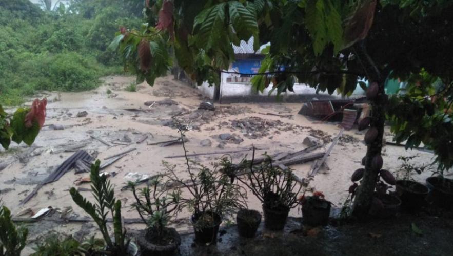 https: img-z.okeinfo.net content 2020 04 05 340 2194380 longsor-dan-banjir-bandang-timbun-2-warga-di-tanah-datar-iPf7YJUsev.png