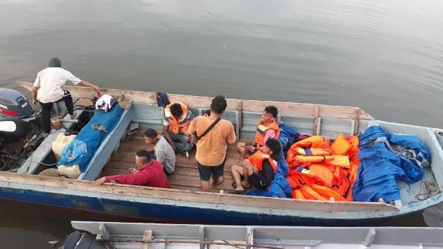 https: img-z.okeinfo.net content 2020 04 08 340 2196066 polisi-gagalkan-penyelundupan-tki-dan-wna-ke-malaysia-di-tengah-pandemi-corona-fE4cw5pI2e.jpg