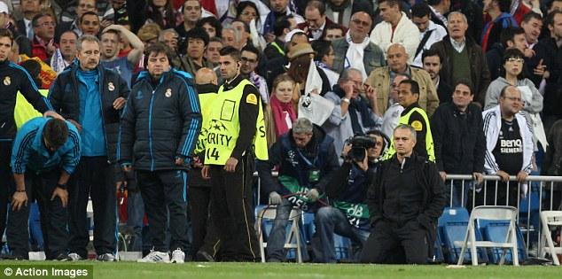 https: img-z.okeinfo.net content 2020 05 03 261 2208328 mourinho-akui-pernah-sekali-nangis-karena-kalah-dan-itu-ketika-melatih-madrid-VYNDDEBrX9.jpg