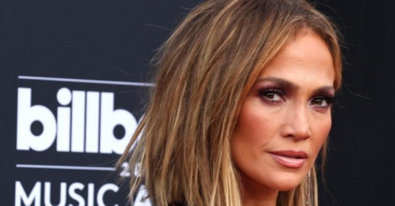 Pesan Menyentuh Jennifer Lopez di Tengah Pandemi Corona : Okezone Celebrity