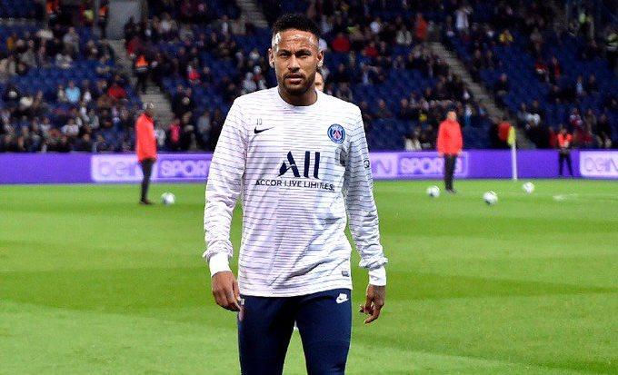Intip Aksi Iseng Neymar, Lempar Telur ke Kepala sang Anak