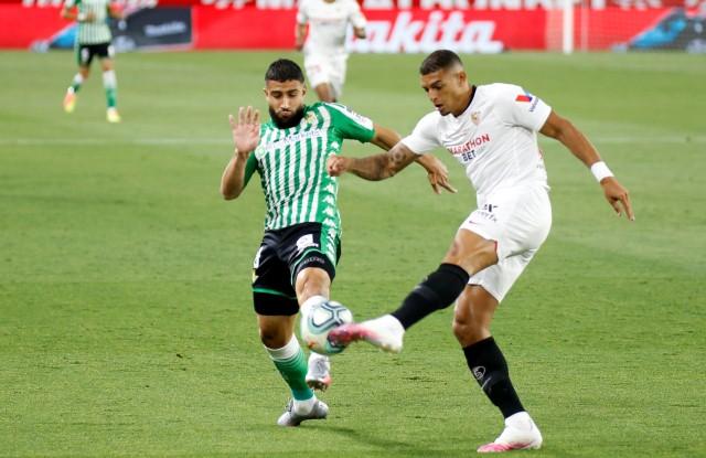 Skor Kacamata Masih Hiasi Babak Pertama Laga Sevilla vs Real Betis ...