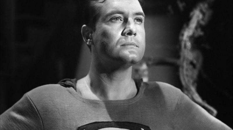 George Reeves sebagai Superman (Foto: Syfy)