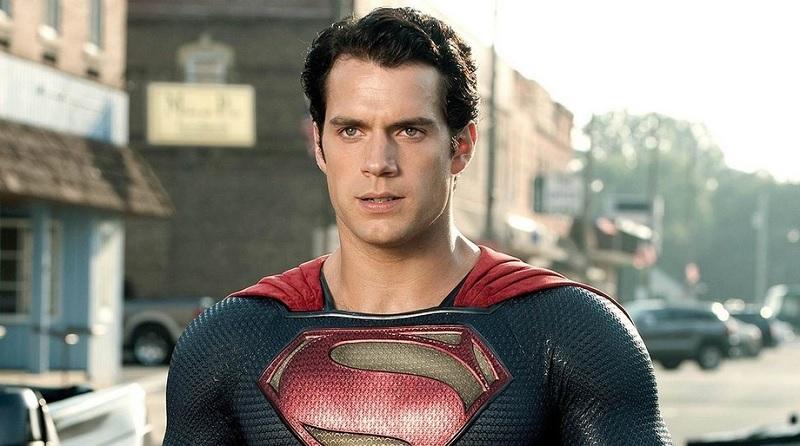 Henry Cavill sebagai Superman