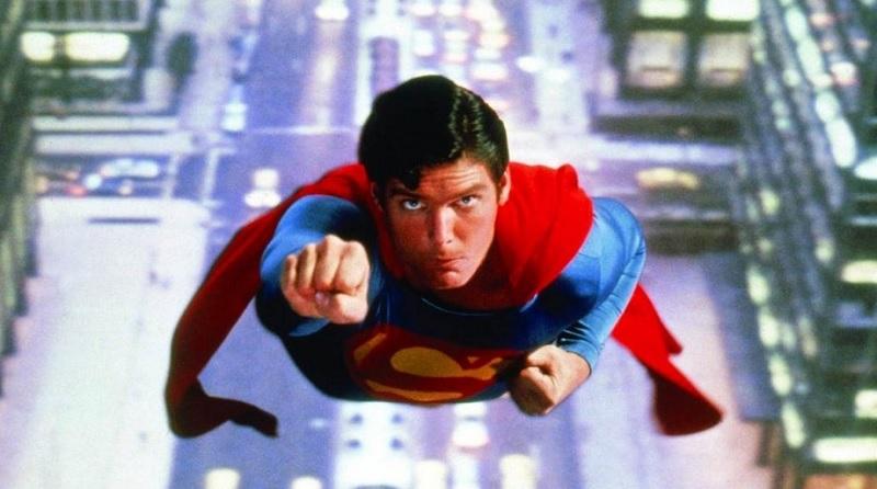 Christopher Reeve sebagai Superman