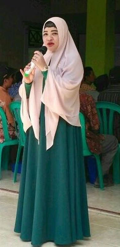 Dewi Aryani