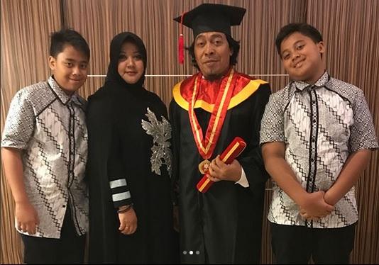 Komeng dan Keluarga
