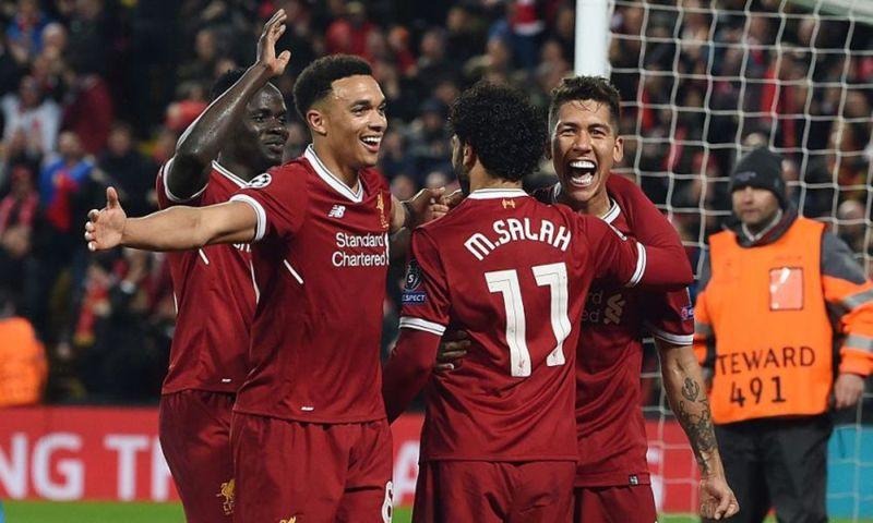 Para pemain Liverpool melakukan selebrasi