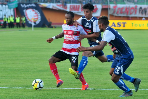 Arema FC vs Madura United