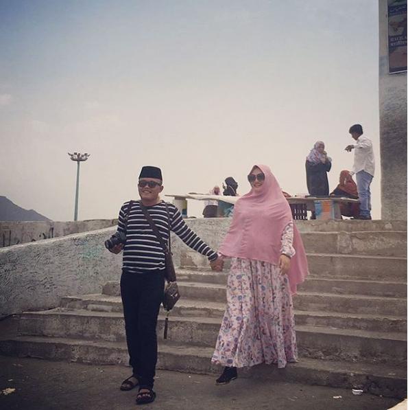 Sule dan istri