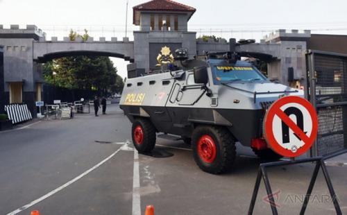Tank Mako Brimob