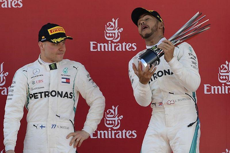 Valtteri Bottas dan Lewis Hamilton