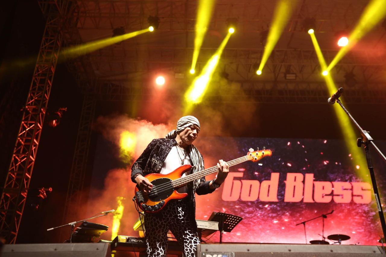 God Bless, Foto: Promotor