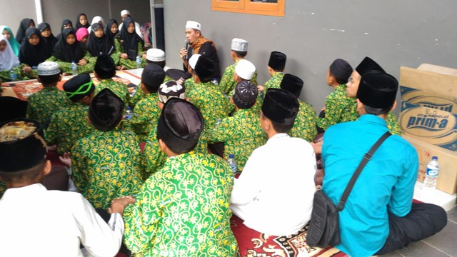 Pengajian di kediaman almarhum Olga Syahputra. (Foto: Vania Ika Aldida/Okezone)