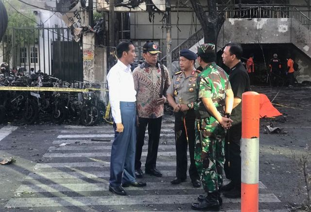 Jokowi pantau lokasi ledakan di Surabaya