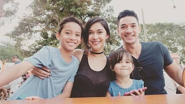 Jason dan keluarganya. (Foto: Ist)