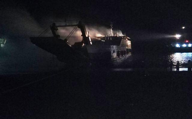 Kapal Terbakar di Bali