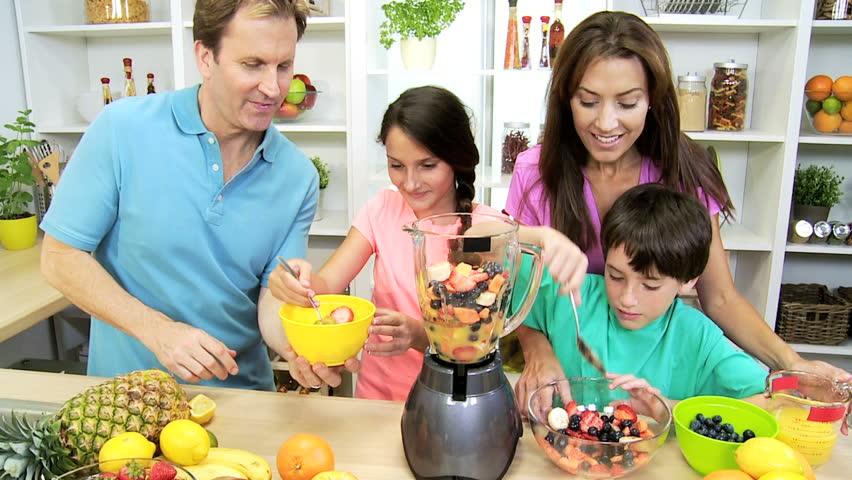 Keluarga Makan Sehat