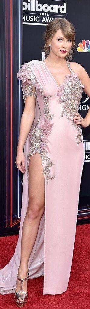 Taylor Swift (Elle)