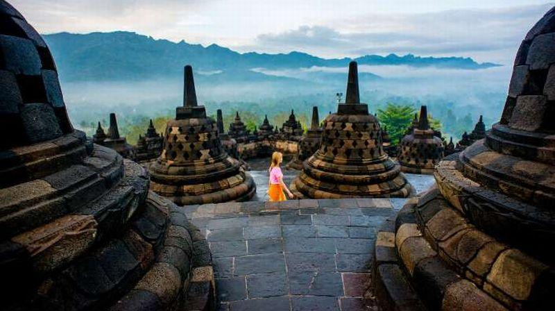 Candi borobudur (Indonesia Travel)