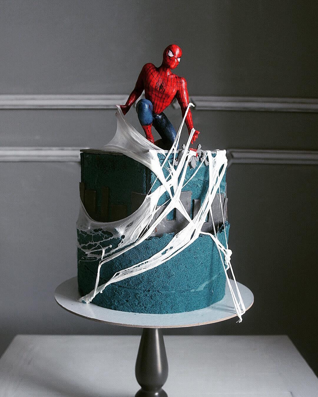 Kue Spiderman