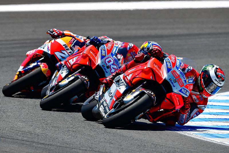 Jorge Lorenzo dan Andrea Dovizioso (Foto: Laman Resmi MotoGP)