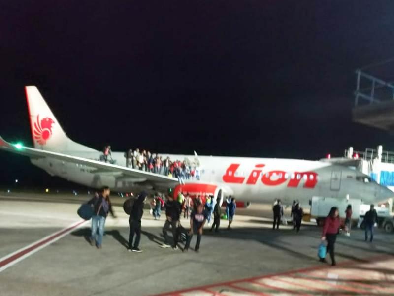 Kepanikan saat seorang penumpang bercanda bom di pesawat Lion Air. Foto: Ist
