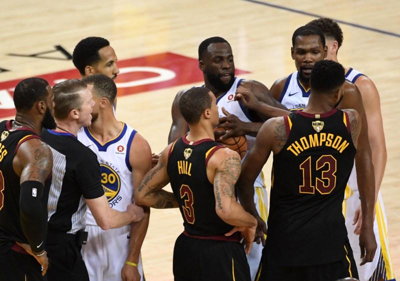 buy popular 3d4d8 73a52 Blunder JR Smith Jadi Alasan Kekalahan Cavaliers dari ...