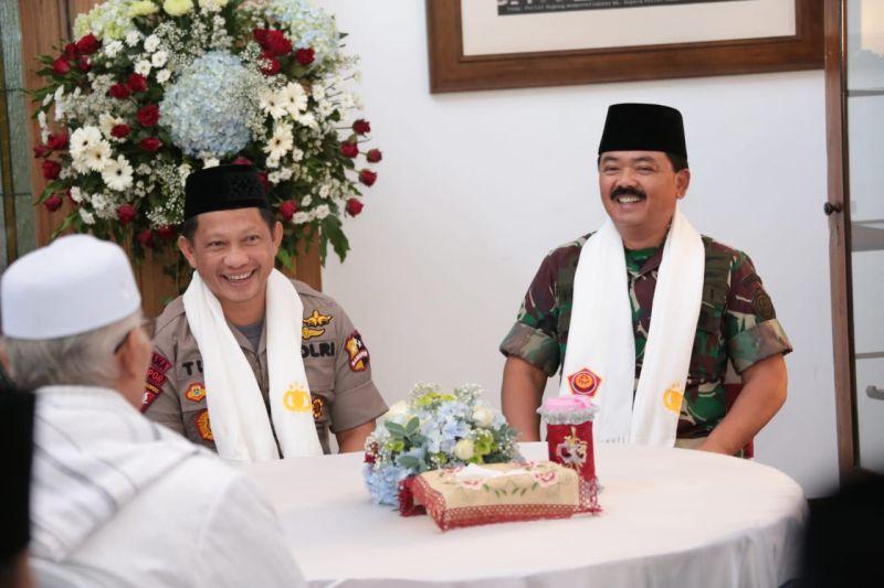 Kapolri Jenderal Tito Karnavian dan Panglima TNI Marsekal Hadi Tjahjanto (foto: Ist)