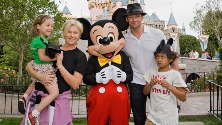 Hugh Jackman bersama istri dan anak-anak