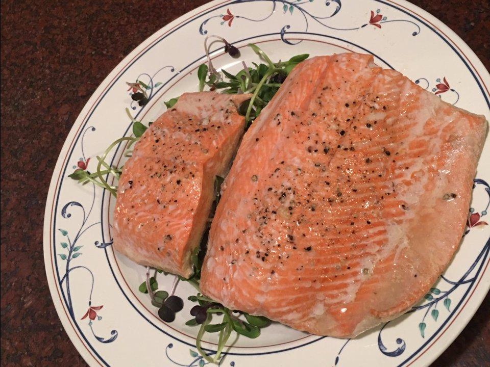 Makan Salmon