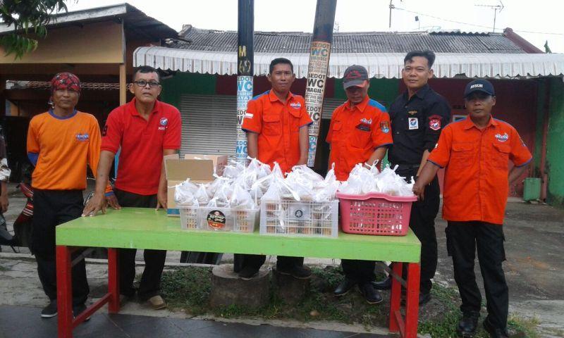 Rescue dan Baja Perindo Cilacap Bagikan 350 Takjil (foto: Bramantyo/Okezone)