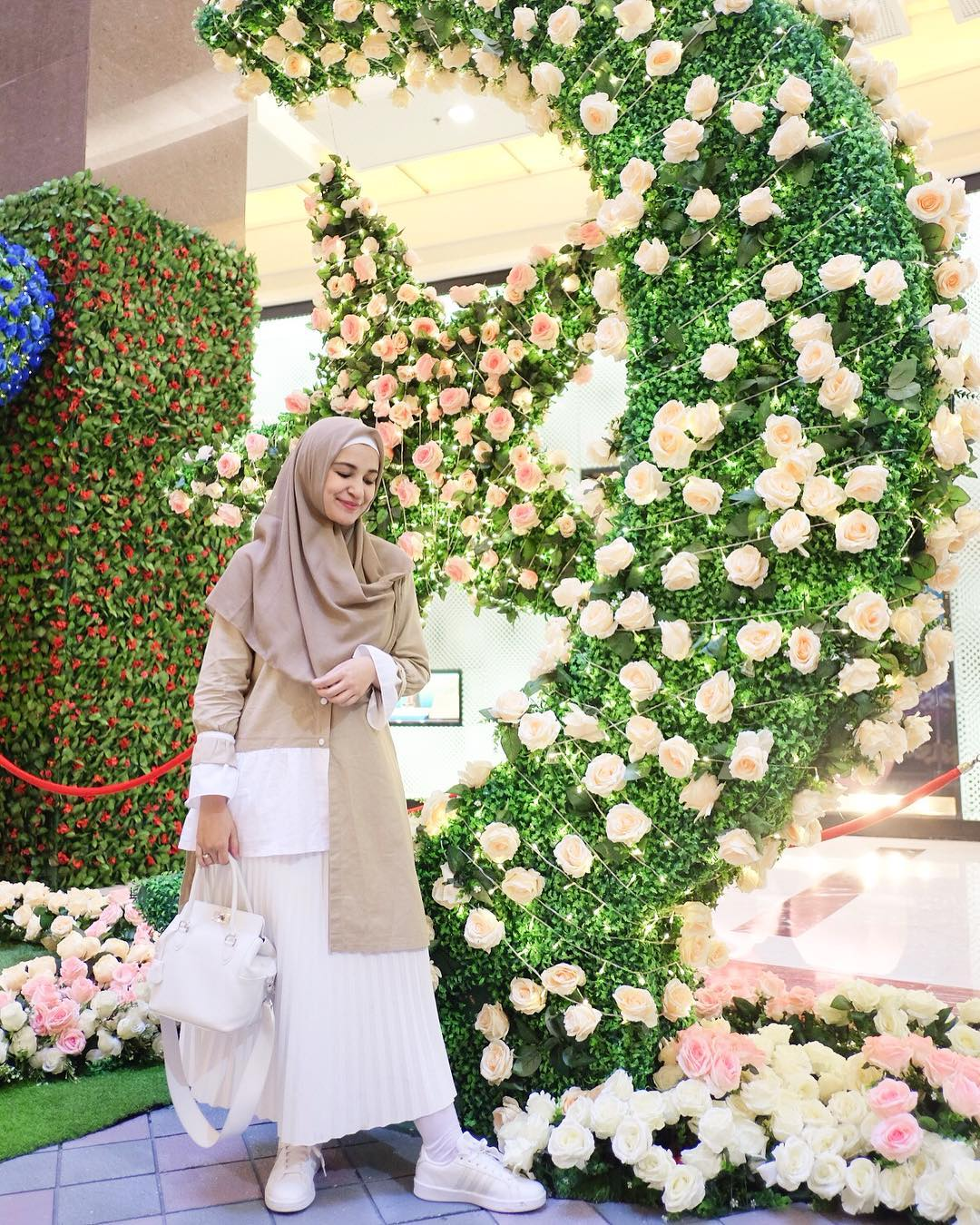 Shireen Sungkar (Ig)