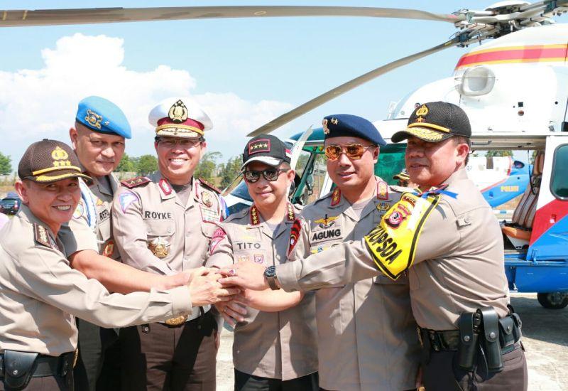 Kapolri Tinjau Arus Mudik Naik Helikopter (foto: Div Humas Polri)