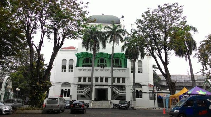 Masjid Cut Meutia.