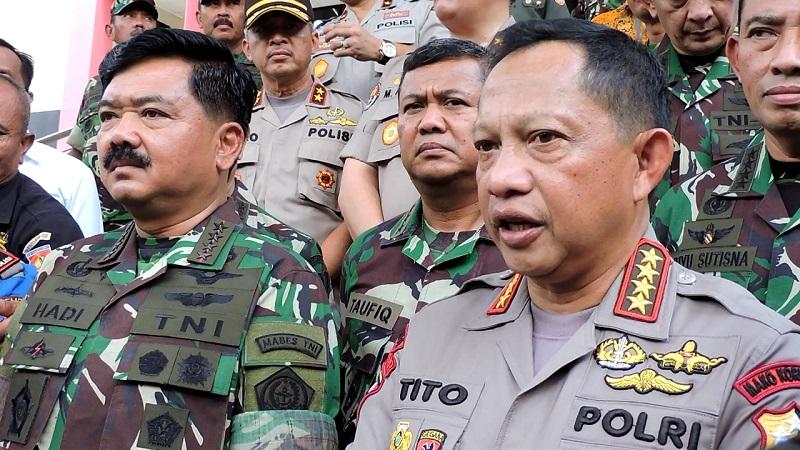 Panglima TNI Marsekal Hadi Tjahjanto dan Kapolri Jenderal Tito Karnavian. (Foto: Taufik Budi)