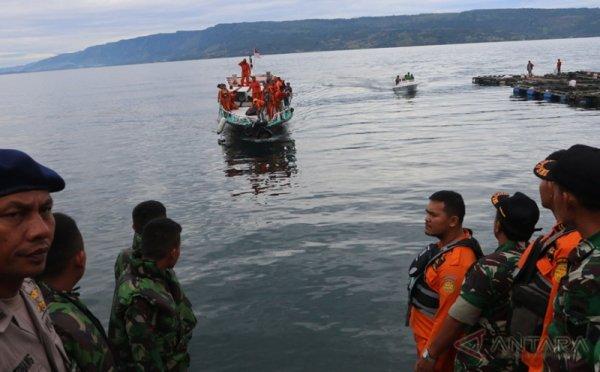 Tim SAR Persilakan Pihak Swasta Membantu Evakuasi KM Sinar ...