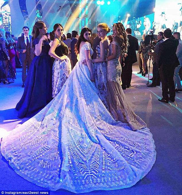 Pernikahan Mewah Remaja Rusia (Daily Mail)
