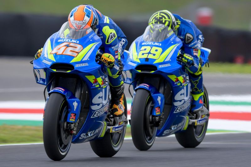 Alex Rins dan Andrea Iannone (Foto: Laman Resmi MotoGP)
