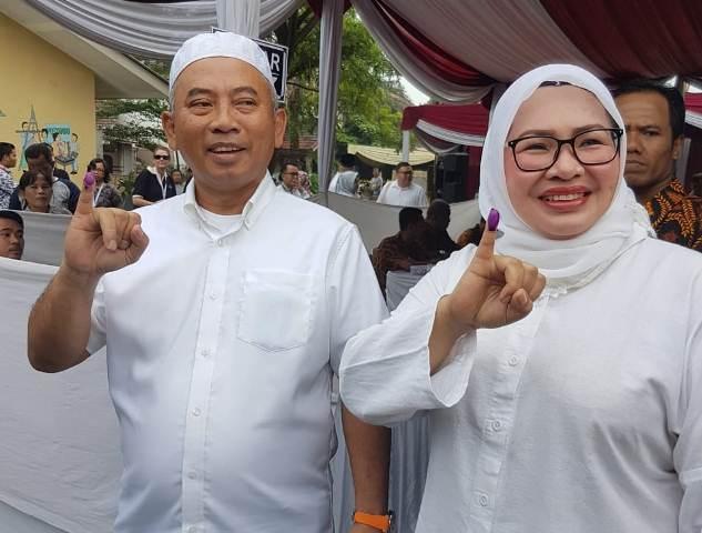 Rahmat Effendi dan istri