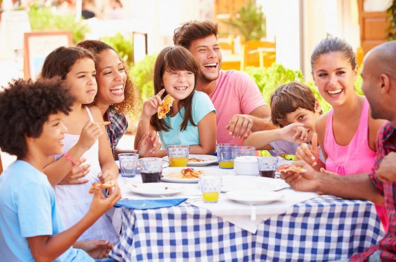 Keluarga (restaurantbusinessonline)
