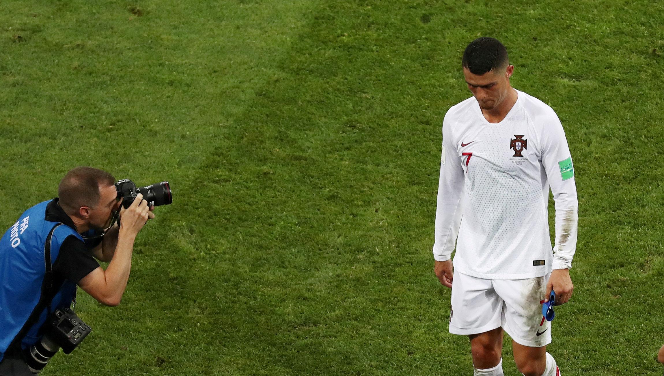 Alexis Sanchez Dipaksa Ganti Nomor Demi Beri Jalan Ronaldo
