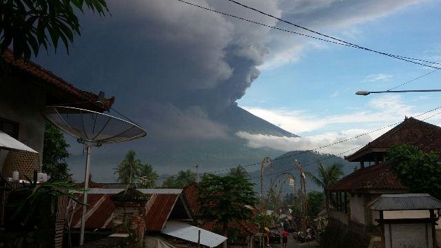 Ilustrasi Erupsi Gunung Agung