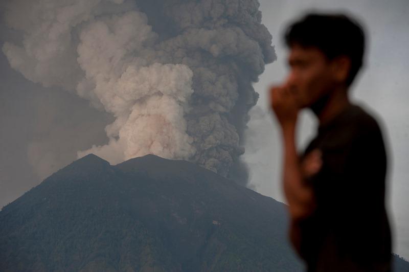 Ilustrasi saat erupsi Gunung Agung