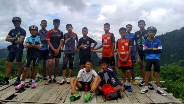 Tim sepakbola terjebak di gua Thailand. (Foto: Facebook Ekatol)