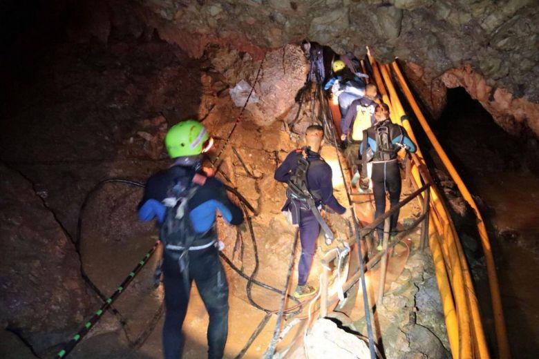 Penyelamatan anak terjebak di gua Thailand (AFP)