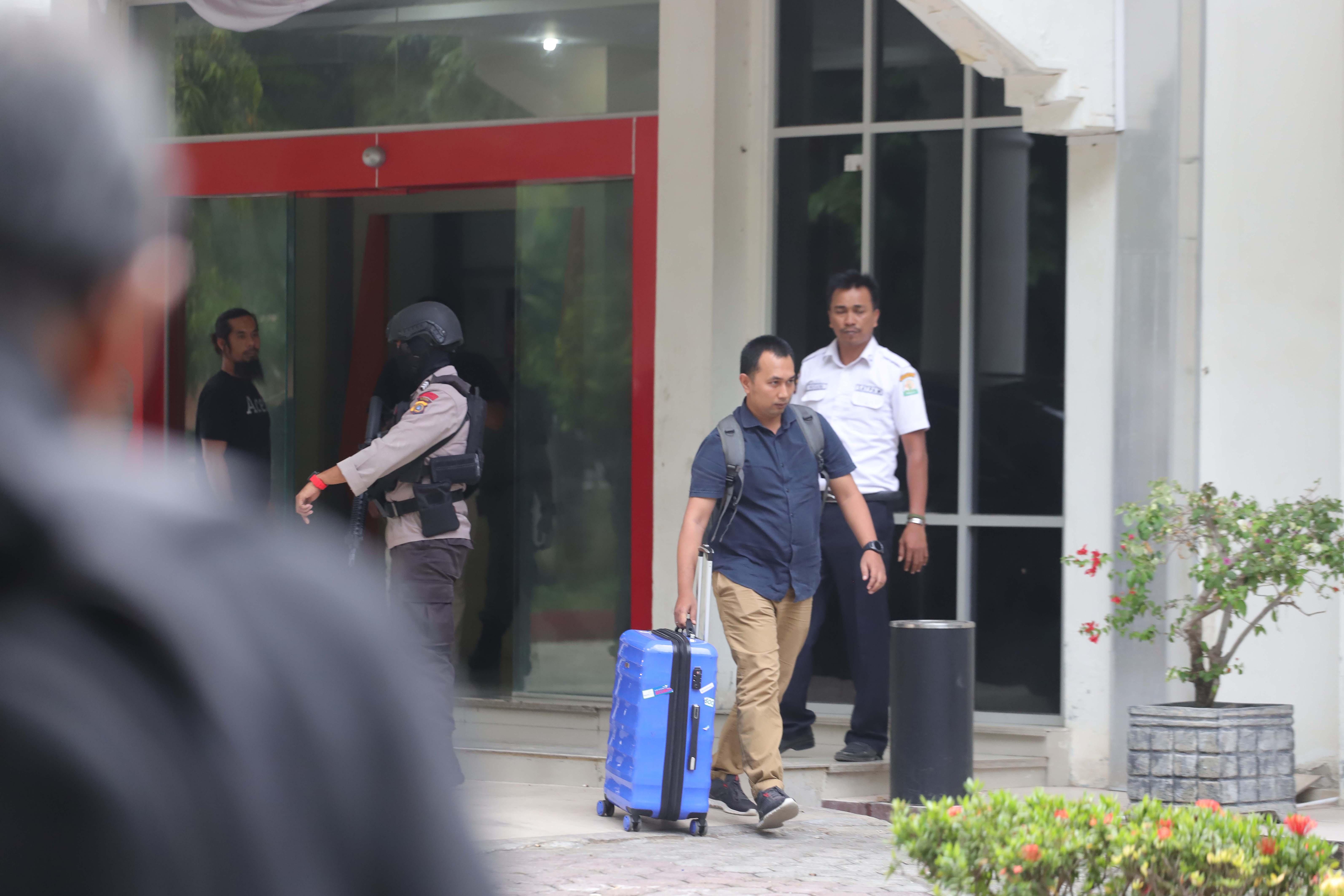 KPK Geledah Kantor Dispora Aceh
