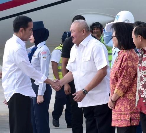 Jokowi tiba di Palembang. Foto: Biro Pers Setpres